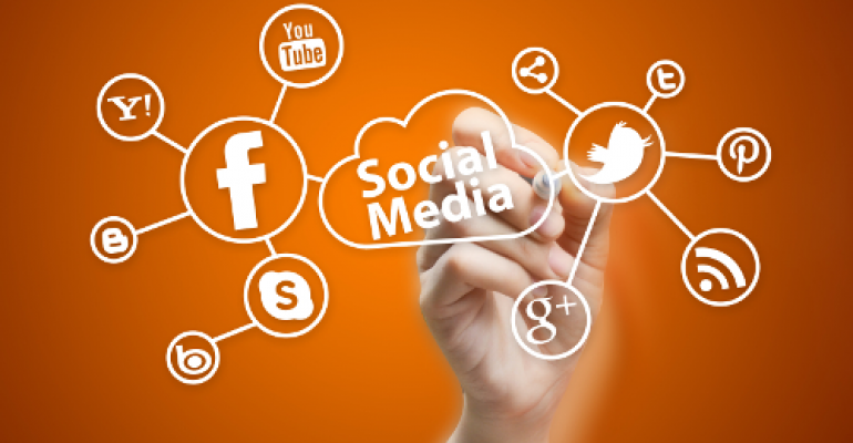 Five Facts on How Patients and Providers Are Using Social Media (infographic)
