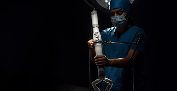 Virtual Incision Goes Small in Surgical Robotics and Nabs IDE